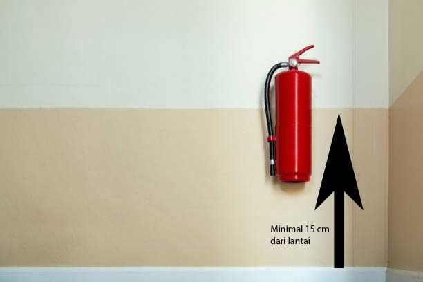 Penempatan Alat Pemadam Api yang Diatur Dalam Permenakertrans dan Jarak dari Lantai